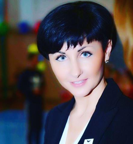 Olena Plyeshakova